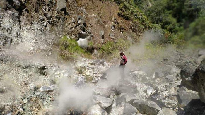 Tak Hanya Air Panas, di Lembah Kaki Gunung Kunyit Kerinci Juga Ada Air Terjun Lima Tingkat