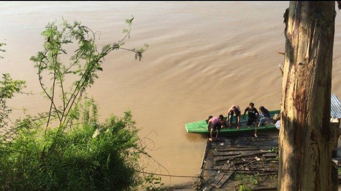 Suasana pencarian di lokasi tenggelamnya Radinal, Rabu (23/12/2020)