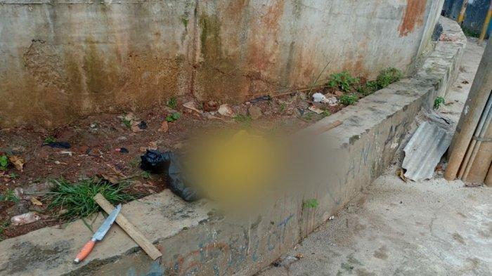 Penemuan potongan kaki di pinggir jalan samping Masjid Jami' An Ni'mah Perumahan Japos, Kelurahan Jurang Mangu Barat, Kecamatan Pondok Aren, Tangerang Selatan (Tangsel), pada Jumat (19/3/2021) pagi.