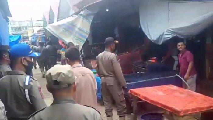 Puluhan Petugas Tertipkan Lapak Liar di Eks Pasar Sarinah Rimbo Bujang