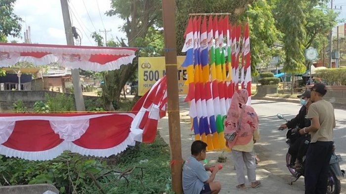 Kisah Pedagang Bendera dari Garut 17 Tahun Jualan di Sarolangun, Susah di Masa Pandemi