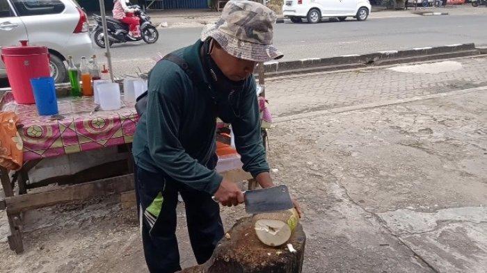 Kuliner Jambi ES Dogan Wong Ngapak di Pasir Putih Ini Tak Pernah Sepi Meski PPKM, Pelanggan Puas
