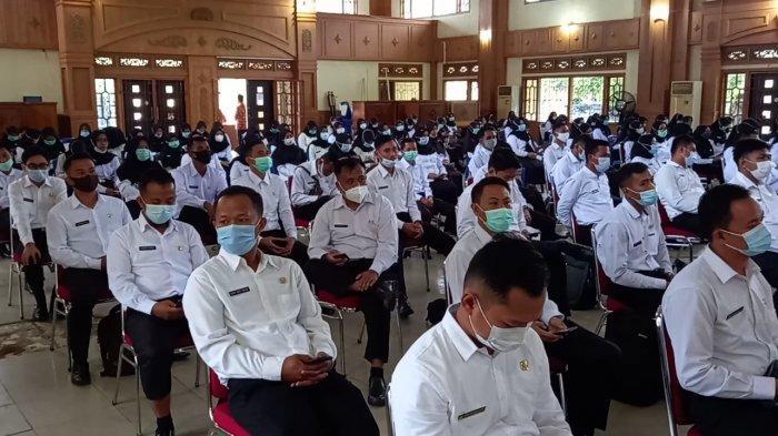 Sukandar: Jangan Gadaikan SK, 190 CPNS Terima SK Pengangkatan