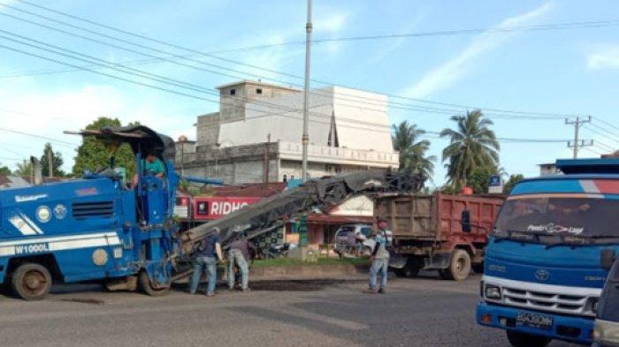 Pecahan Aspal Bekas Perbaikan Jalan di Tebo Dijual, Masyarakat Keluhkan Harganya Kemahalan