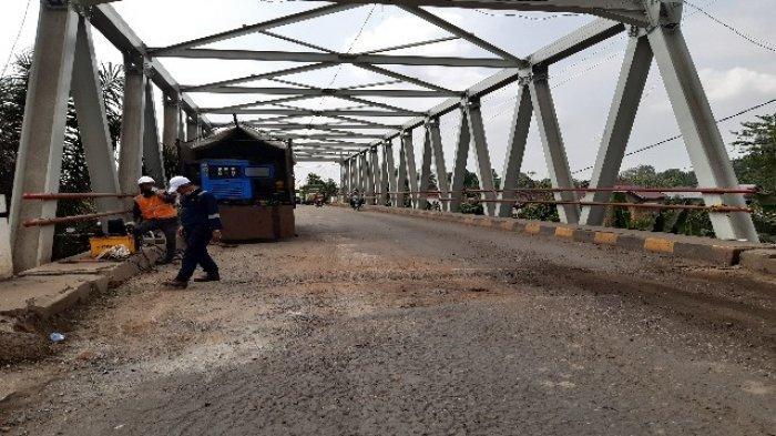 Perbaikan Jembatan Kumpeh Buka Tutup Jalan Hingga 45 Menit, Antre Panjang di Sijenjang Terjadi