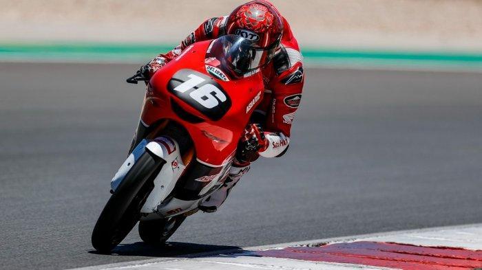 Perjuangan Mario Suryo Aji pada putaran keempat FIM Moto3™? Junior World Championship di di Autódromo Internacional do Algarve, Portugal, harus terhenti lebih awal. Pebalap Astra Honda Racing Team tersebut tidak bisa menyelesaikan balapan karena terlibat insiden yang disebabkan adanya pebalap lain yang terjatuh.