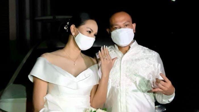 Pernikahan Vicky Prasetyo dengan Kalina Oktarani