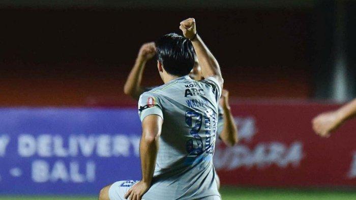 Persib Bandung Menang Telak  atas Persita 3-1 di Piala Menpora 2021