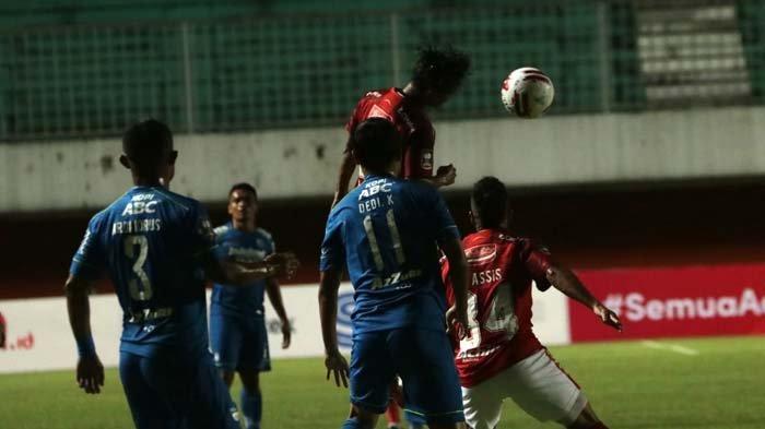 Piala Menpora Persib Bandung vs Bali United Berakhir Imbang Berkat Gol Frets Butuan
