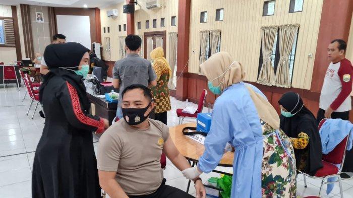 Hampir 100 Persen Personil Polres Muarojambi dan Jajaran Sudah Divaksin Covid-19