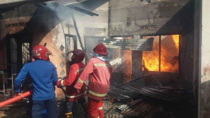 BREAKING NEWS Rumah Penyimpanan BBM di Bagan Pete Terbakar, Ayah dan Anak Mengalami Luka Bakar