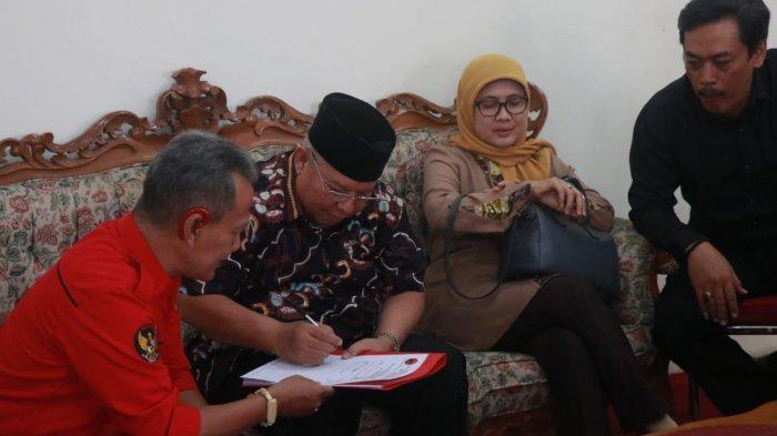 Pilgub Jambi, Safrial Daftar ke PDIP, Harapkan Wakilnya Tokoh dari Wilayah Barat