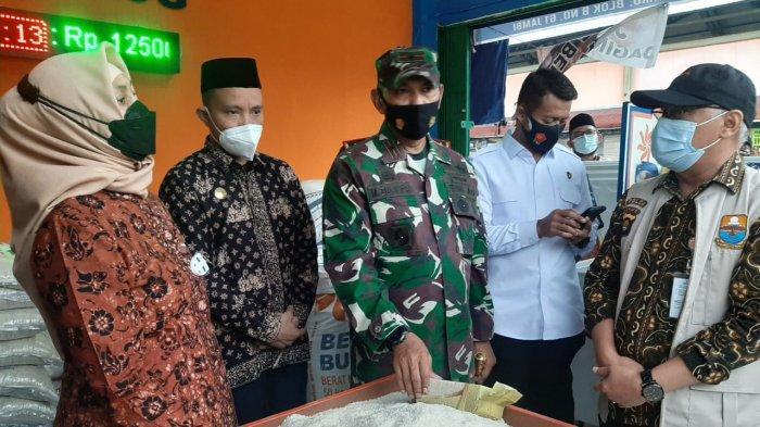 Pj Gubernur Jambi Pantau Harga Bahan Pokok Jelang Ramadan, Harga Cabe Rawit dan Daging Naik