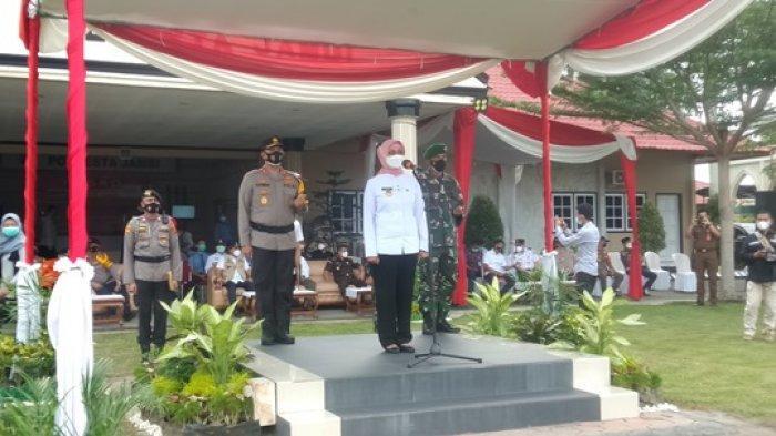 Didampingi Kapolda dan Danrem, PJ Gubernur Jambi Pimpin Upacara Ops Ketupat 'Tindak Tegas Pelanggar'