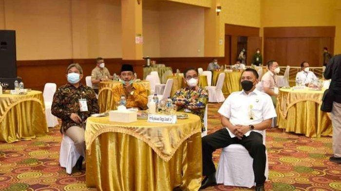 Pj.Gubernur Jambi Dr.Hari Nur Cahya Murni menghadiri rapat pleno terbuka KPU penetapan calon Gubernur dan Wakil Gubernur terpilih pada pemilihan Gubernur dan Wakil Gubernur Jambi tahun 2020, Sabtu (12/6) bertempat di RCC.