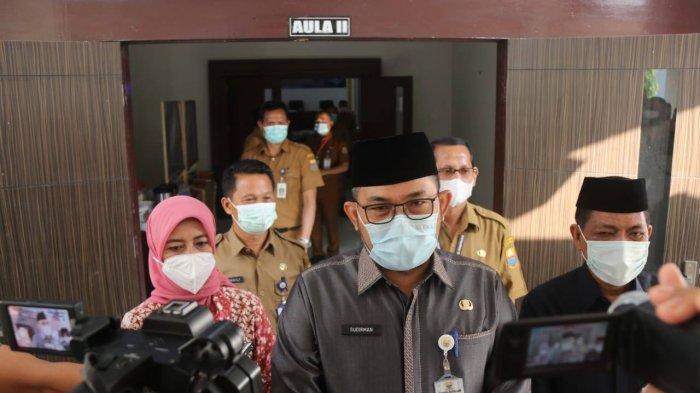 Plh.Gubernur Jambi H.Sudirman, SH,MH membuka secara resmi Rapat Koordinasi Pengembangan Sumber Daya Manusia Provinsi Jambi dan Kabupaten/Kota, Senin (15/2), bertempat di aula BPSDM.