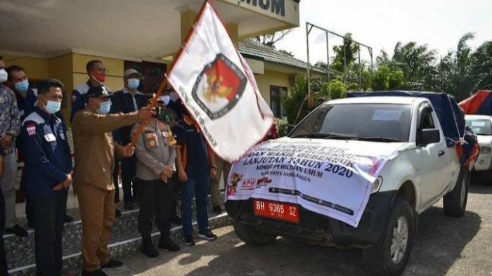 Plt Bupati Sarolangun, Kapolres Sarolangun, KPU, Bawaslu melepaskan logistik ke daerah prioritas berat atau wilayah terisolir, mengunakan mobil double gabin