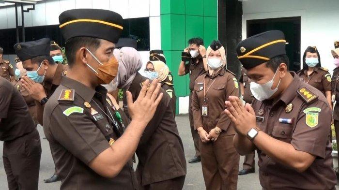 Plt Kajati Jambi Dr Hermon Dekristo halal bihalal dengan seluruh pegawai Kejaksaan Tinggi Jambi