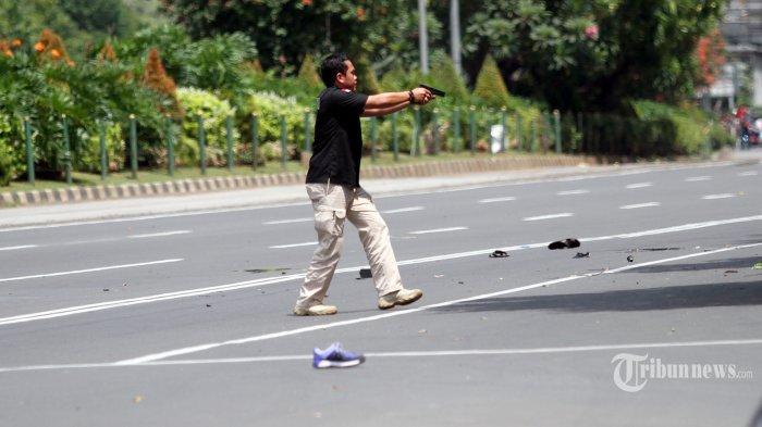 Ibu-ibu Disuruh Masuk Rumah, Polisi Lalu Tembak-menembak Lawan Penjahat di Lampung, 2 Tewas