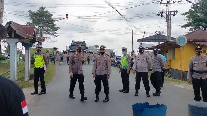 Polisi Hadang Lintas Organisasi Sarolangun Saat Hendak Aksi Soal PETI di Jalan Lintas Sumatera