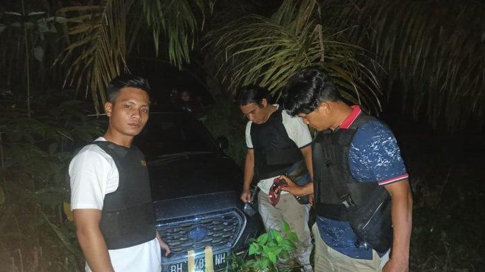 Mobil Terduga Pelaku Perampok Bersenjata Ditemukan di Kebun Sawit Desa Suka Maju