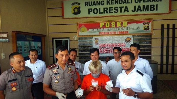 Ditangkap Karena Miliki Sabu 400 Gram, ke Polisi Nur Hasanah Sebut Asal Pemilik Sabu