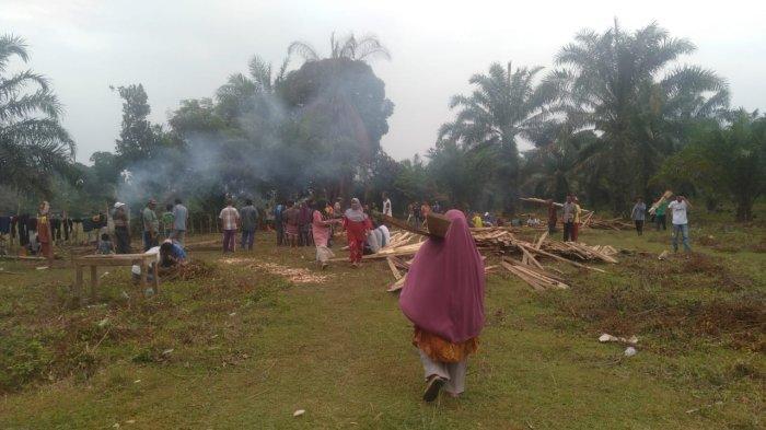 Desa Tuo Ilir Tebo Bangun Ponpes Melalui Gotong Royong Masyarakat dan Wakaf Dermawan