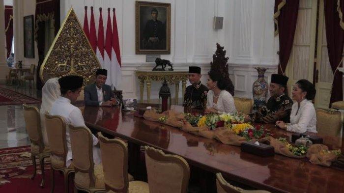 FOTO-Foto Ribuan Warga Rela Berpanas-Panasan Ngantre ke Istana Demi Ketemu Jokowi