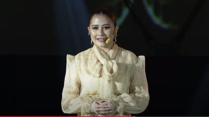Bagikan Momen Pencapaiannya, Prilly Latuconsina Disebut Sebagai Miss Independent