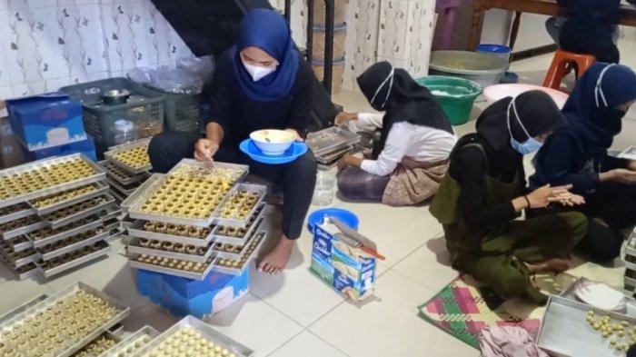 Minggu Pertama Ramadhan Produsen Kue Kering di Kota Jambi Mulai Genjot Produksi