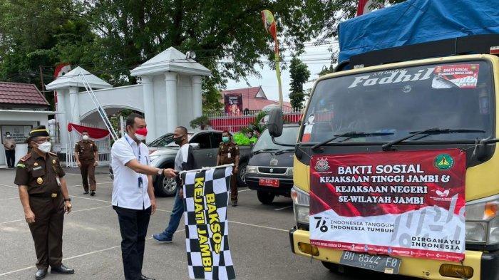 Gandeng Kejati Jambi, PTPN VI Salurkan Bantuan Sembako Terdampak Covid-19