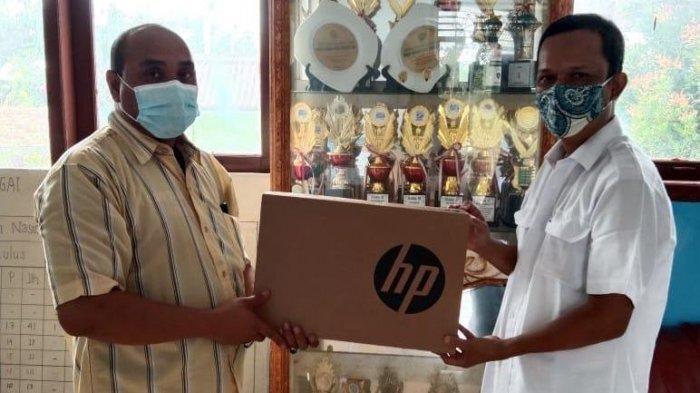 PTPN VI Bantu 3 Unit Laptop pada SMPN 26 Tanjung Jabung Timur