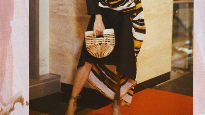 Putri Marino Hadir di IMAA 2018, Sepatu di Kaki Kanan 'Curi' Perhatian