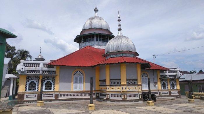 Meski di Pinggir Sungai, Masjid Al Munawaroh di Bungo Tak Pernah Kebanjiran, Usianya Sudah 80 Tahun