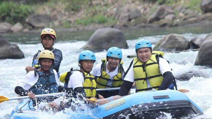 Sensasi Mengarungi Sungai Elo 12,5 Kilometer