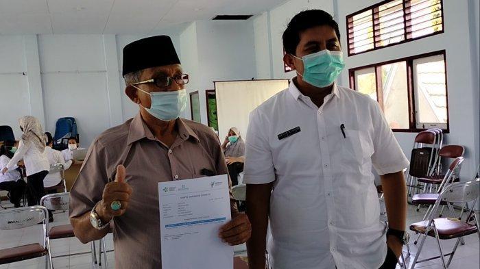 Rahman Pensiunan ASN Jadi Contoh Vaksin Pertama oleh Dinkes Sarolangun