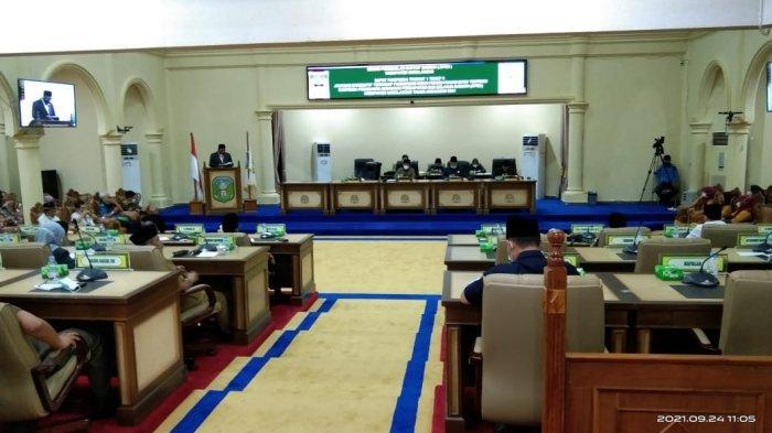 Rapat Paripurna, Fraksi DPRD Sarolangun Sarankan Pemerintah Lakukan Reshuffle