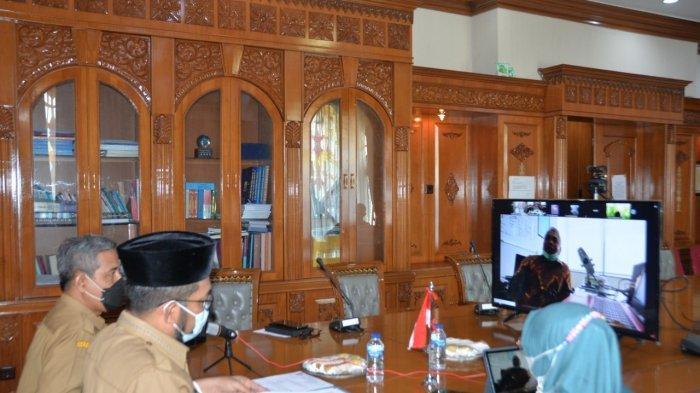 Rapat secara virtual juga diikuti provinsi lain yang membahas kendala dalam menetapkan tarif air minum pada daerah masing-masing