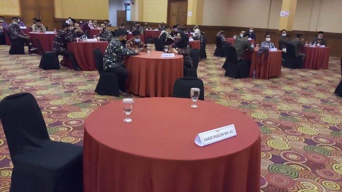 Perwakilan Tim 02 Terlambat Hadir di Pleno Rekapitulasi Hasil Penghitungan Suara Pilgub Jambi