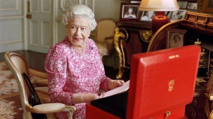 Kok Bisa Panjang Umur, Apa Sih yang Dimakan dan Diminum Ratu Elizabeth