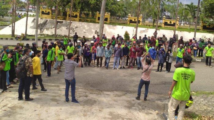 Kawal Persidangan Ketuanya, Ratusan Anggota SPI Berkumpul di Pengadilan Negeri Tebo