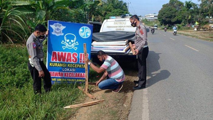 Pelepat Rawan Kecelakaan, Polisi Pasang Rambu-rambu Tambahan