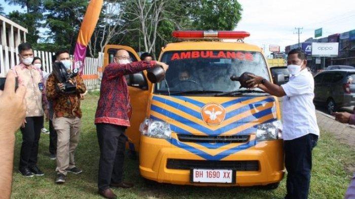 Klinik UNJA Terima Bantuan Mobil Ambulance