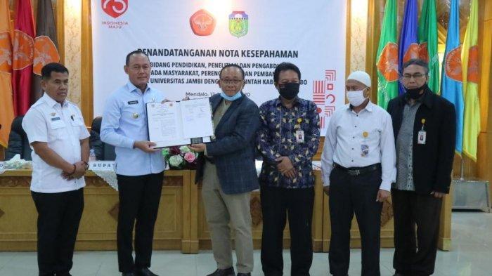 Universitas Jambi dan Pemkab Tebo Tanda Tangan MoU Bidang Pendidikan, Penelitian dan Pengabdian
