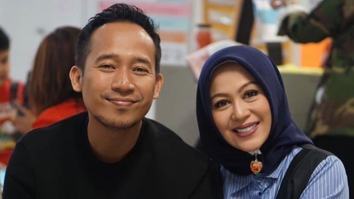 Istri Denny Cagur Bocorkan Uang Jatah Bulanan, Ayu Dewi : Nolnya 7?