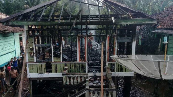 Satu Unit Rumah Panggung di Desa Penapalan Milik Ramzi Terbakar, Korban Rugi Rp 150 Juta