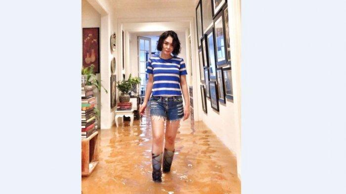 Kisah di Balik Foto Queen of Water Bah, Yuni Shara: