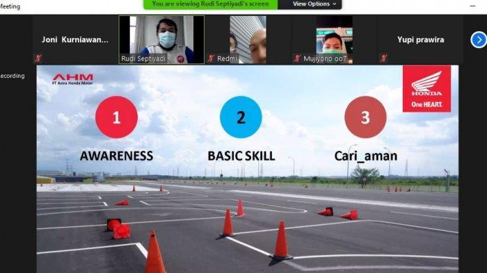 Bersama Puluhan Driver Grab Jambi, Sinsen Berikan Edukasi Safety Riding Online