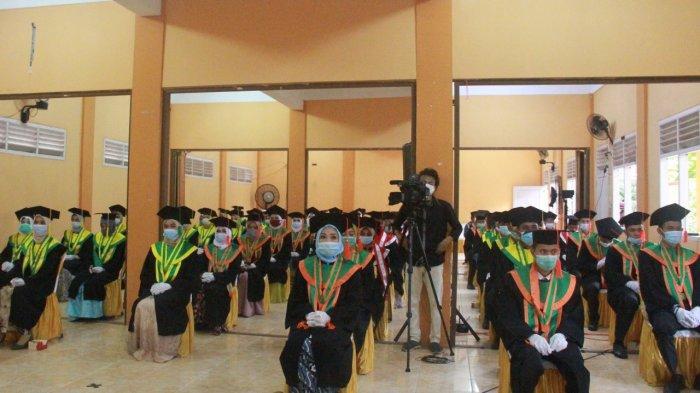 Bupati Tanjung Jabung Barat Dr. H. Safrial pun datang menghadiri Sidang Senat Terbuka Wisuda Sarjana Strata Satu (S.1) Angkatan XV STAI An Nadwah.