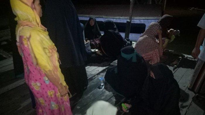 BREAKING NEWS 70 Santri Pesantren Teriak Histeris, Kapal Ferry Penyeberangan Tenggelam di Dermaga